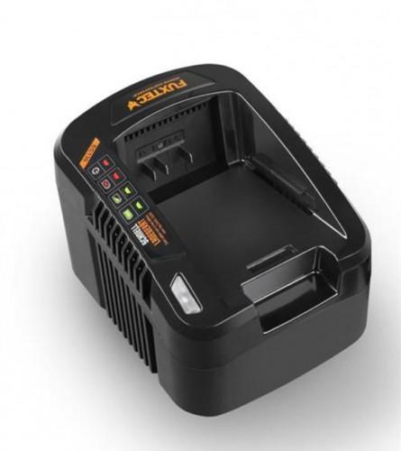 Fuxtec Punjač za baterije 120V 1,0A EC130